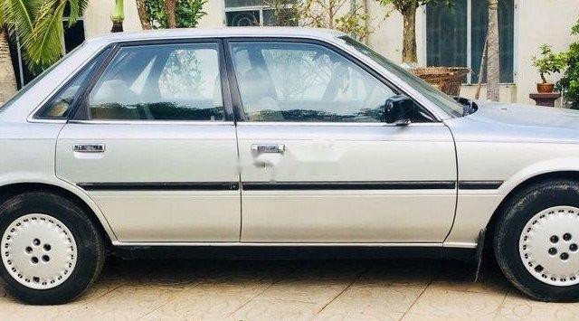 Bán ô tô Toyota Camry 1988, màu bạc, xe nhập xe gia đình