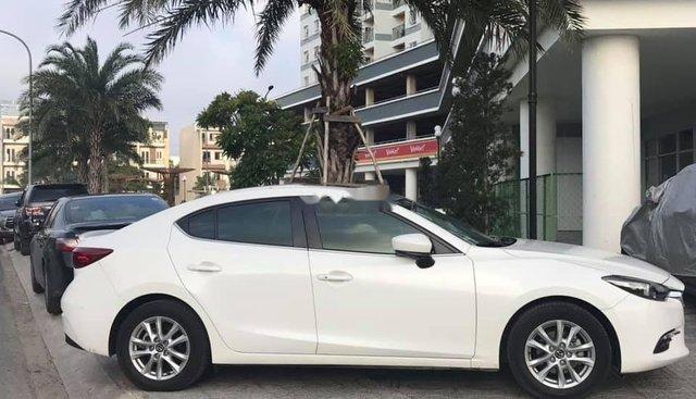 Cần bán lại xe Mazda 3 AT năm 2019, màu trắng, nhập khẩu, giá tốt