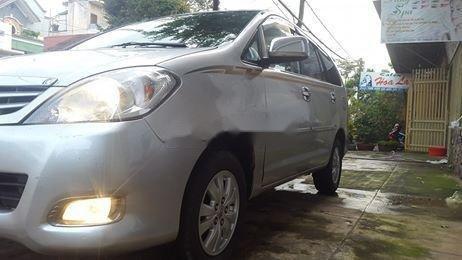 Cần bán Toyota Innova đời 2008, màu bạc số sàn