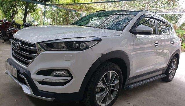 Chính chủ bán xe Hyundai Tucson 2018, màu trắng, nhập khẩu