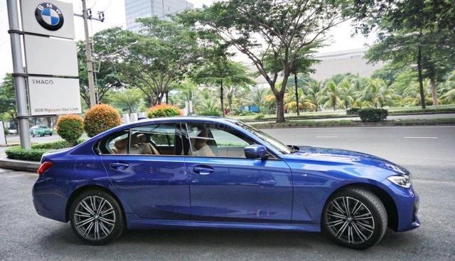 BMW 3 Series 330i đời 2019, màu xanh lam, xe nhập khẩu châu âu, thể thao, trẻ trung vượt trội