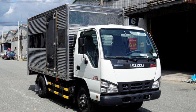 Bán xe Isuzu QKR thùng 3m6 giá rẻ 120tr nhận xe, xe sẵn chạy thử thỏa thích