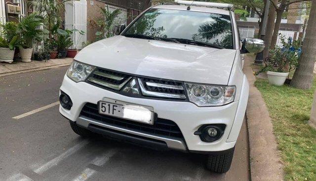 Gia đình cần bán Mitsubishi Pajero 2017, màu trắng