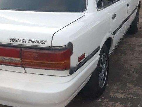 Bán Toyota Camry sản xuất 1987, màu trắng, nhập khẩu