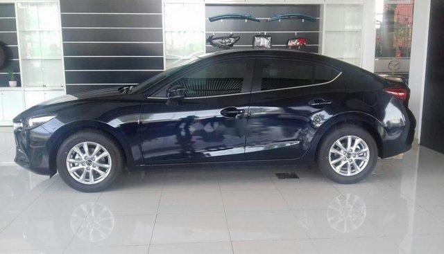 Cần bán gấp Mazda 3 AT sản xuất 2018