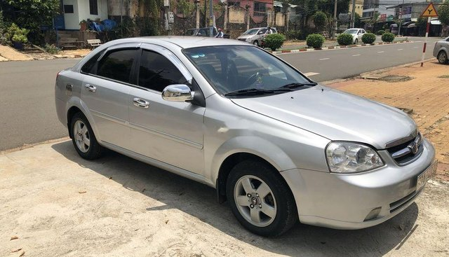 Cần bán Daewoo Lacetti MT đời 2009, màu bạc, giá 200tr