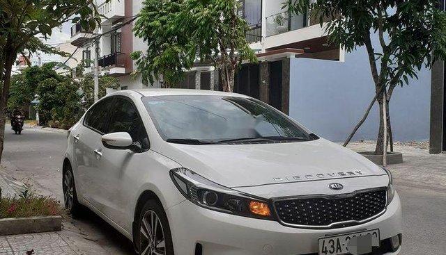 Bán ô tô Kia Cerato 1.6 MT đời 2018, màu trắng, nhập khẩu nguyên chiếc chính chủ, giá tốt