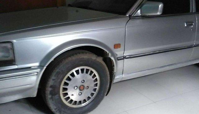 Bán Nissan Bluebird năm sản xuất 1989, màu bạc, xe nhập