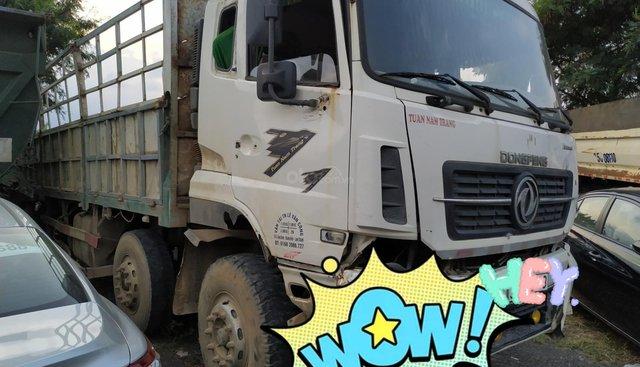 Bán đấu giá xe Dongfeng (DFM) 18.7T sản xuất 2015, màu trắng, nhập khẩu