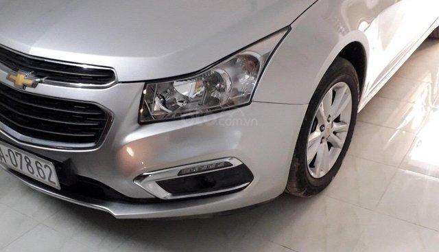 Bán Chevrolet Cruze 1.6LT đời 2017, màu bạc