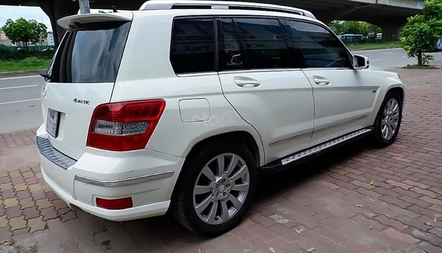 Cần bán lại xe Mercedes đời 2009, màu trắng