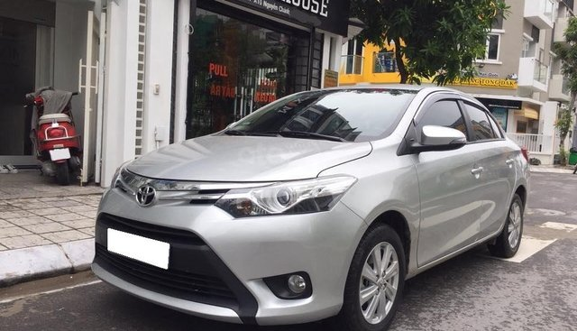 Bán Toyota Vios G 2017 tự động, màu bạc xe đi kỹ