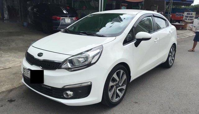 Cần bán Kia Rio Sedan sản xuất năm 2015, màu trắng, xe nhập