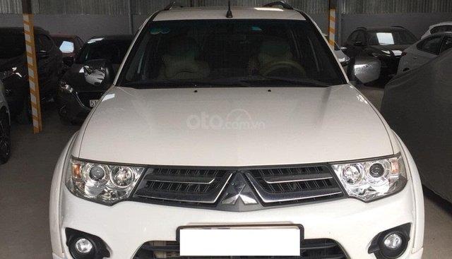 Bán Mitsubishi Pajero Sport 2.5MT, máy dầu, 2016 màu trắng, biển SG