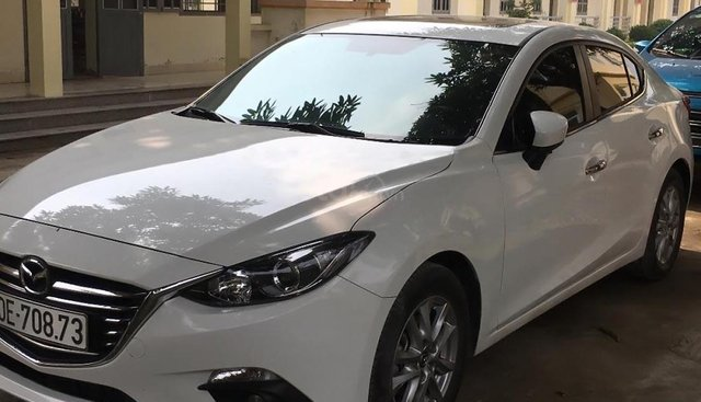 Chính chủ bán Mazda 3 1.5 AT năm 2017, màu trắng