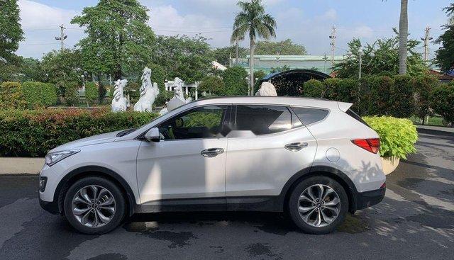 Cần bán xe Hyundai Santa Fe 2015, màu trắng, nhập khẩu xe gia đình, giá 830tr