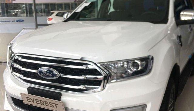 Bán xe Ford Everest 2019, màu trắng, nhập khẩu