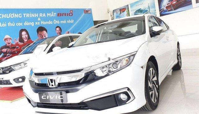 Bán Honda Civic 1.8E đời 2019, màu trắng, xe nhập