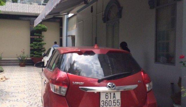 Bán ô tô Toyota Yaris 2017, màu đỏ chính chủ, giá chỉ 585 triệu