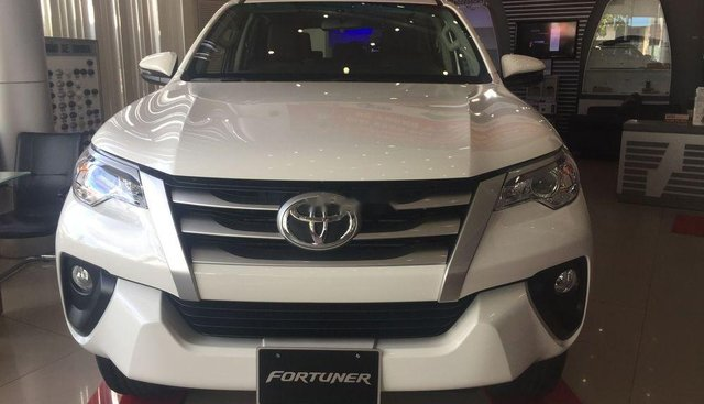 Bán ô tô Toyota Fortuner năm sản xuất 2019, màu trắng, giá 998tr