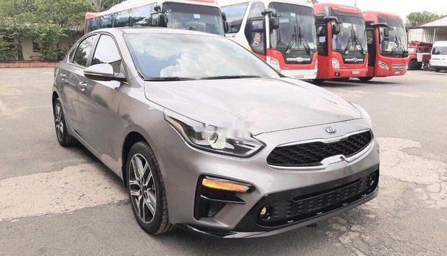 Bán Kia Cerato sản xuất 2019, màu bạc, 559tr