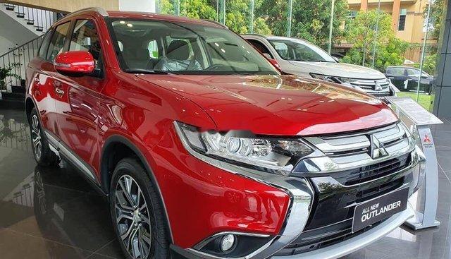 Cần bán xe Mitsubishi Outlander 2019, màu đỏ, giá cạnh tranh
