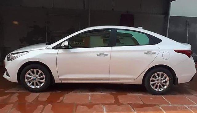 Bán Hyundai Accent sản xuất 2018, màu trắng