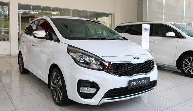 Xe Kia Rondo 2019 máy xăng, số tự động, thiết kế sang trọng, nôi thất tiện nghi