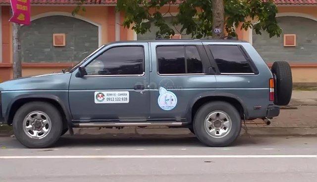 Cần bán gấp Nissan Pathfinder 3.0 MT 4WD đời 1992, màu xanh lam, xe nhập