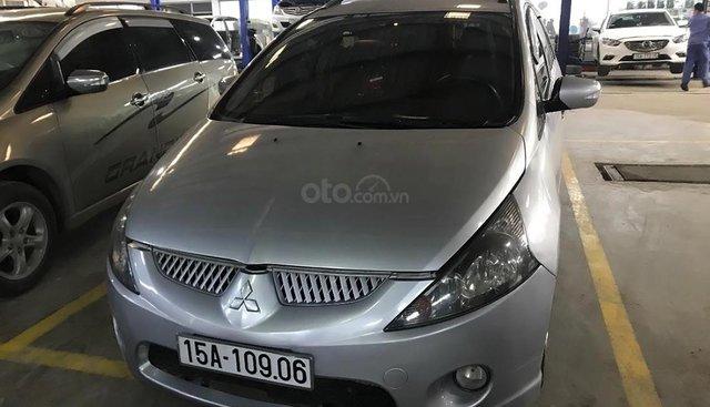 Cần bán lại xe Mitsubishi Grandis 2.4 AT sản xuất năm 2006, màu bạc
