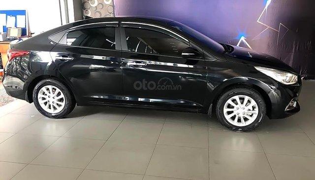 Cần bán xe Hyundai Accent 1.4 MT sản xuất 2018, màu đen