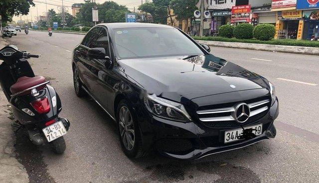 Chính chủ bán xe Mercedes C200 đời 2015, màu đen