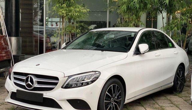 Bán Mercedes C200 năm sản xuất 2019, màu trắng, xe nhập