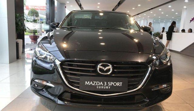 Bán xe Mazda 3 đời 2018, màu đen
