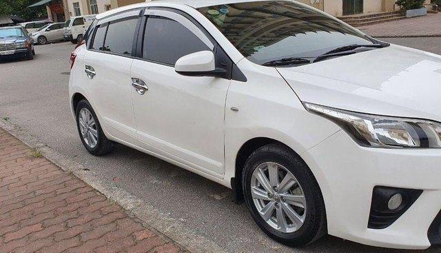 Bán Toyota Yaris sản xuất 2014, màu trắng, nhập khẩu
