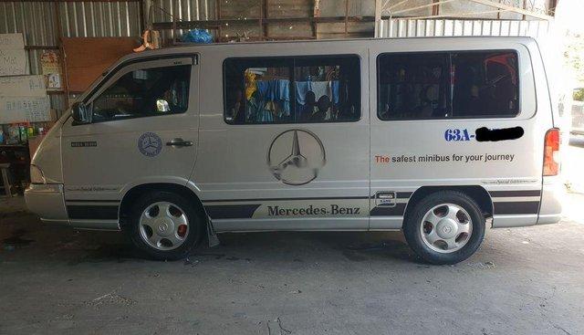 Cần bán xe Mercedes 2002, giá chỉ 158 triệu