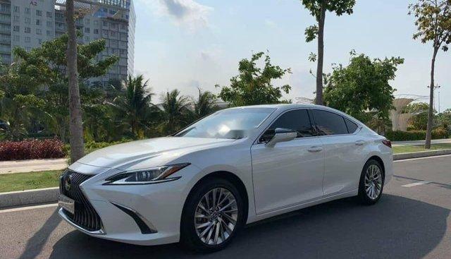 Cần bán Lexus ES 250 đời 2019, màu trắng, nhập khẩu nguyên chiếc