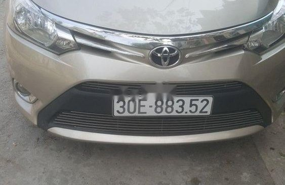 Bán xe Toyota Yaris sản xuất 2016, màu bạc, số sàn