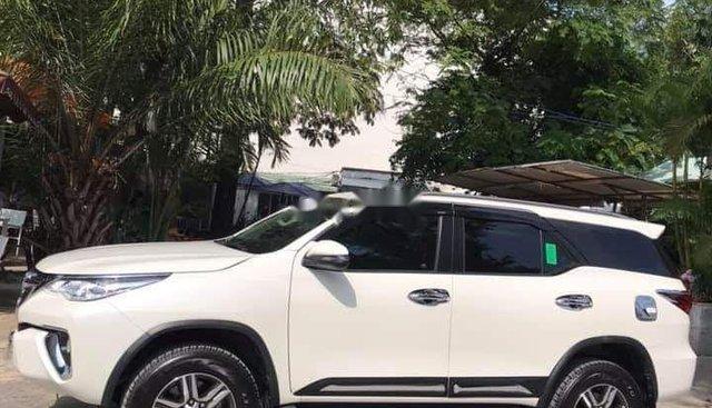 Bán Toyota Fortuner sản xuất 2019, màu trắng, nhập khẩu