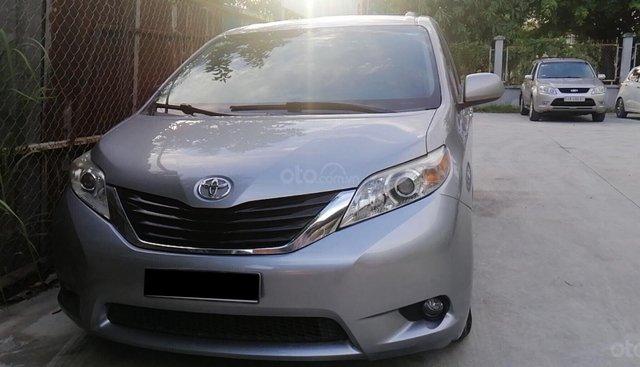 Bán Toyota Sienna LE 2011, nhập Mỹ, đi 190.000 km, xe chính chủ
