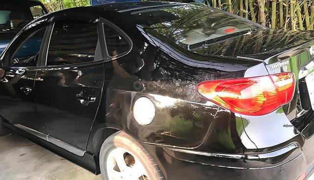 Cần bán Hyundai Avante 1.6AT năm sản xuất 2011, xe gia đình