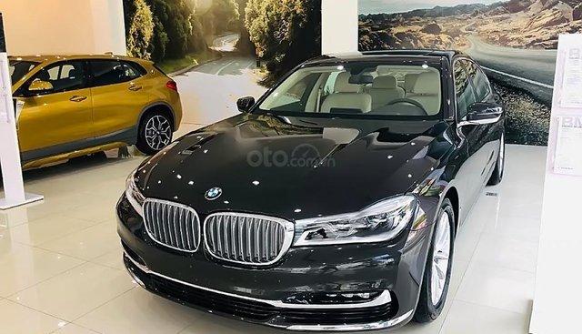 Bán xe BMW 730Li 2019, màu đen, nhập khẩu