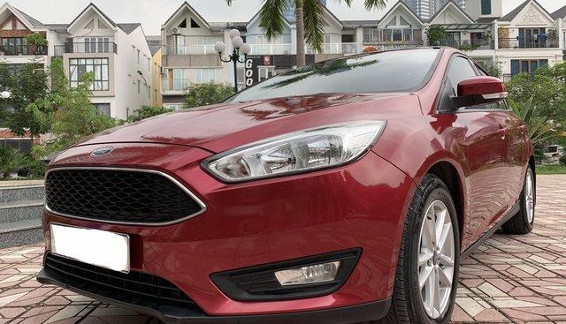Bán Ford Focus 2018, màu đỏ giá cạnh tranh