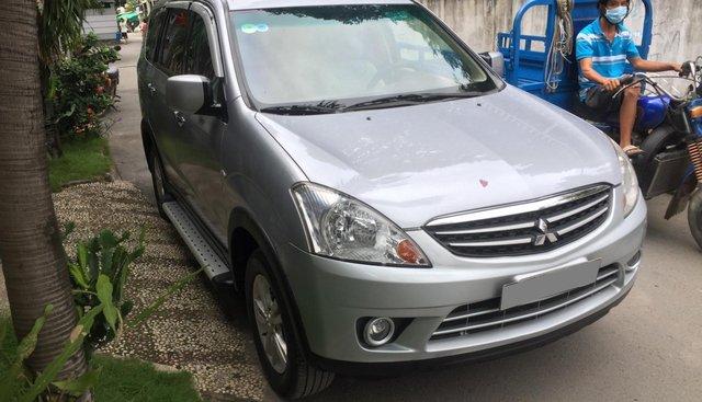 Bán Mitsubishi Zinger 2010 tự động màu bạc, xe gia đình