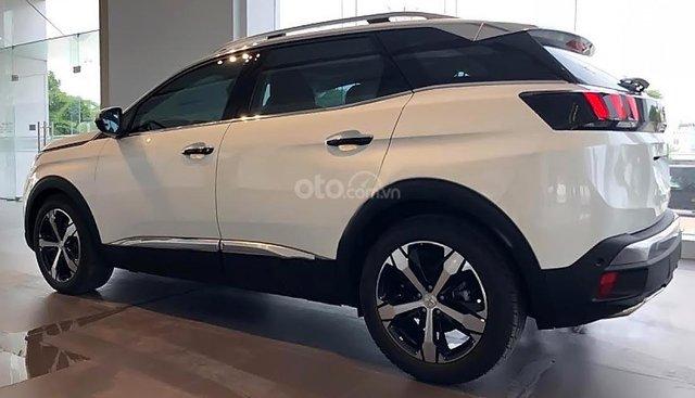 [Hot] Peugeot 3008 ALL new trắng, hỗ trợ vay 80%, trả trước 300tr lấy xe