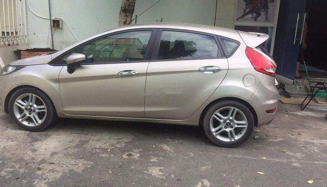 Bán Ford Fiesta sản xuất 2011, màu bạc, xe nhập