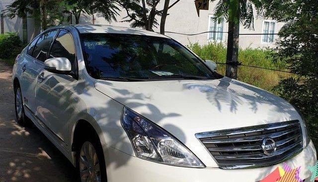 Bán Nissan Teana đời 2010, màu trắng, nhập khẩu