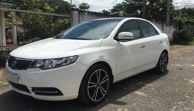 Bán Kia Forte sản xuất năm 2011, màu trắng, 388 triệu