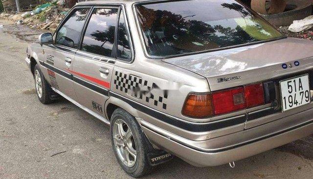 Bán Toyota Corona năm 1984, nhập khẩu, xe gia đình