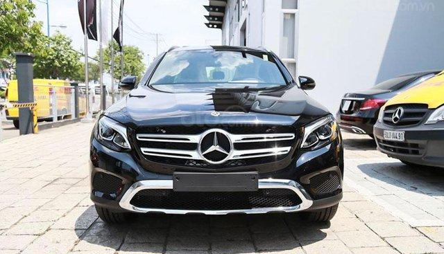 Ưu đãi chính hãng 100% tiền mặt Thuế TB - Lễ QUỐC KHÁNH 02/9 | Mercedes GLC 200 2019 màu đen Obsidian